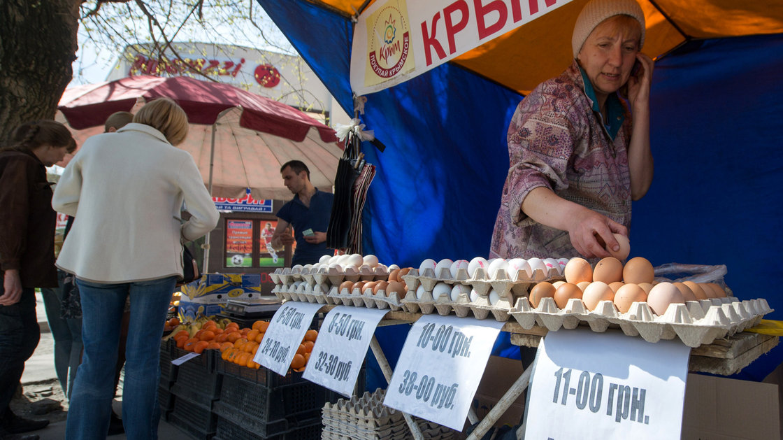 Ukraine faces hard road to economic recovery with Moscow pushing back