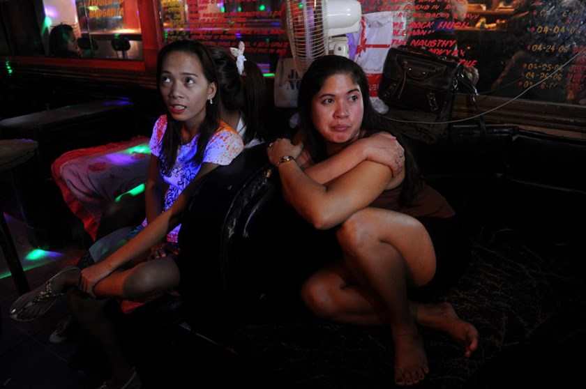 angeles city single girls Angeles city nightlife distinct is without a doubt one of asia's best kept secrets,  as you can meet normal girls from the university.