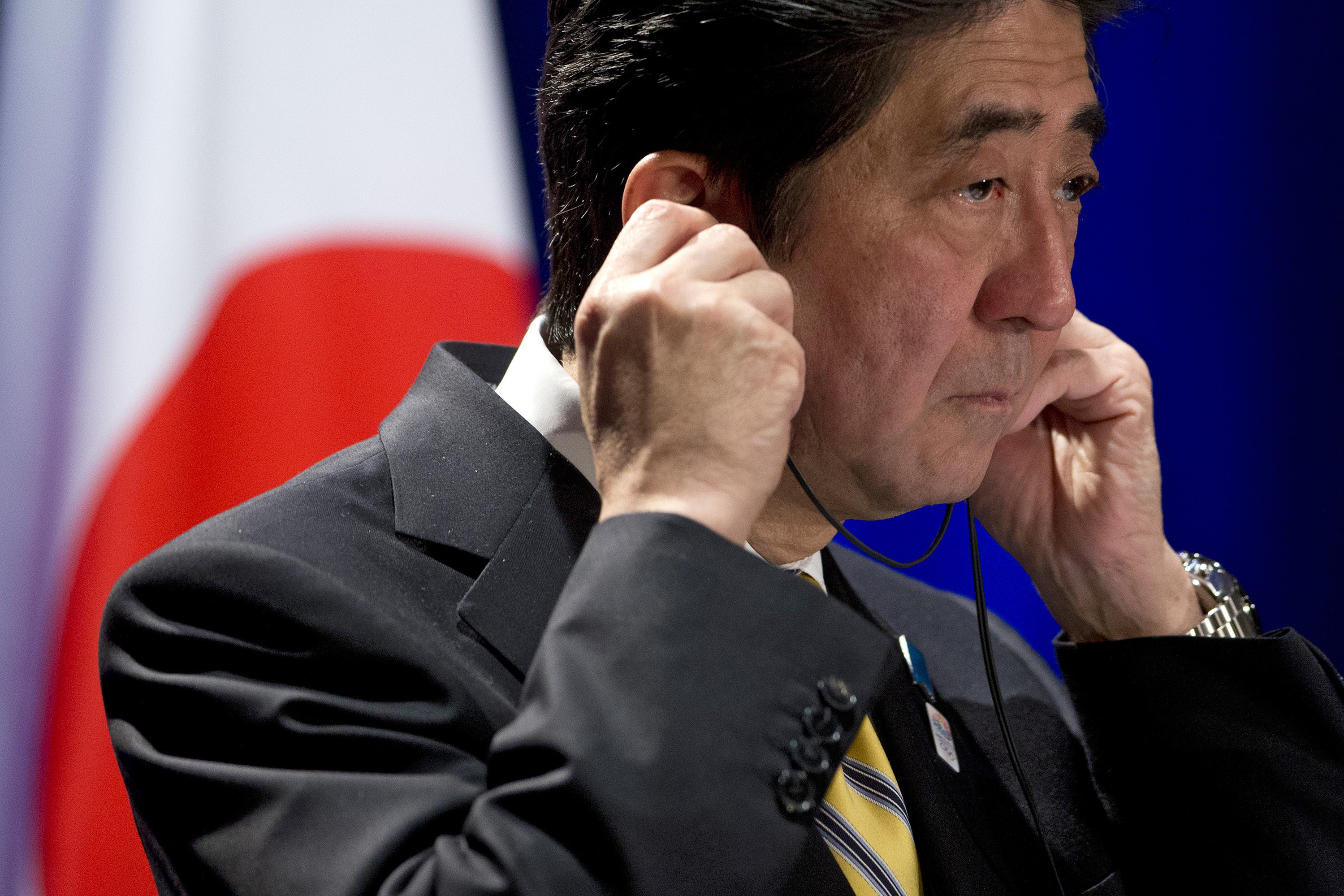 Abe listening to Krugman after Tokyo limo ride on Abenomics fate