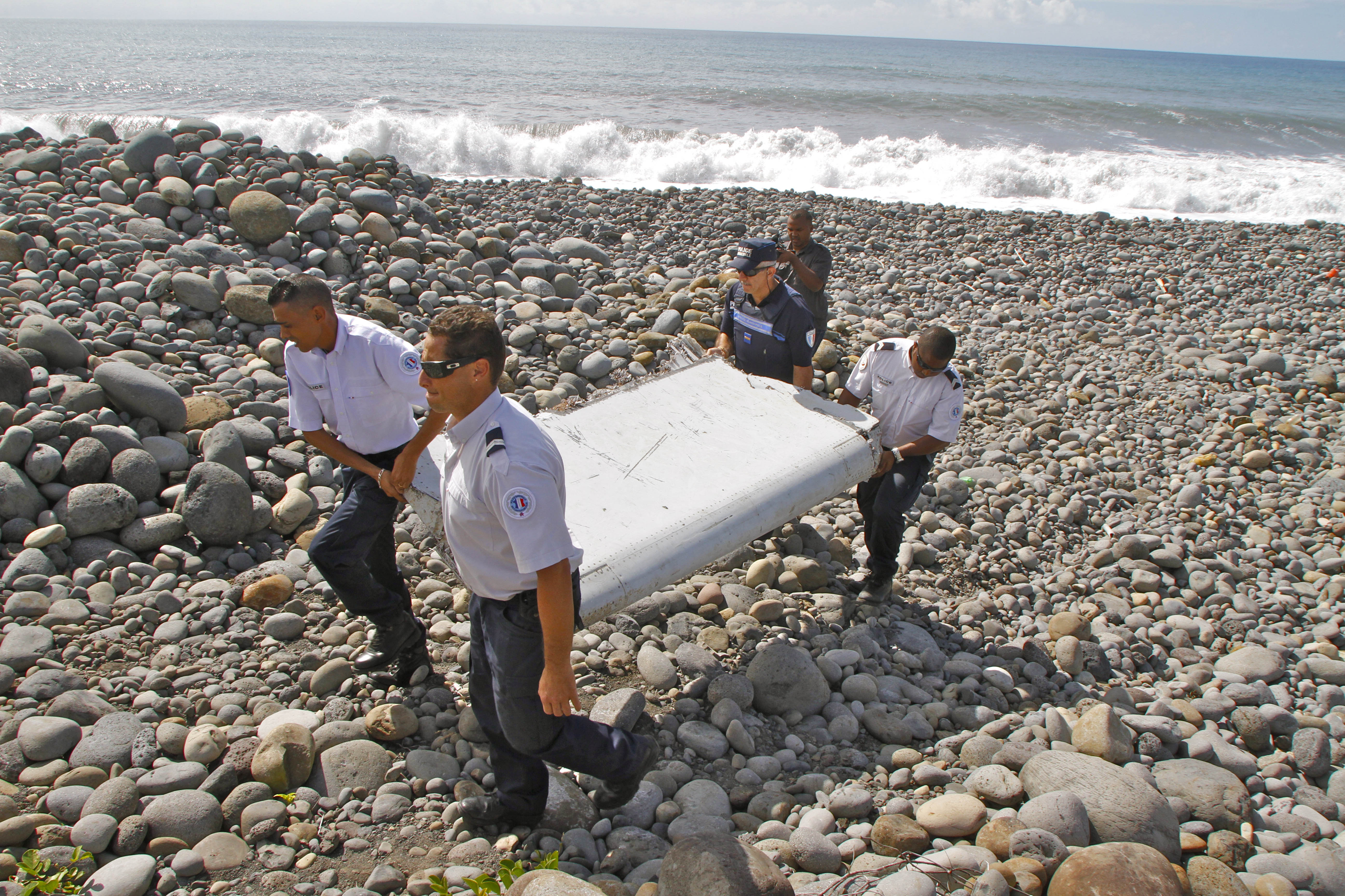 Why the trail of clues to Flight 370 now leads to France