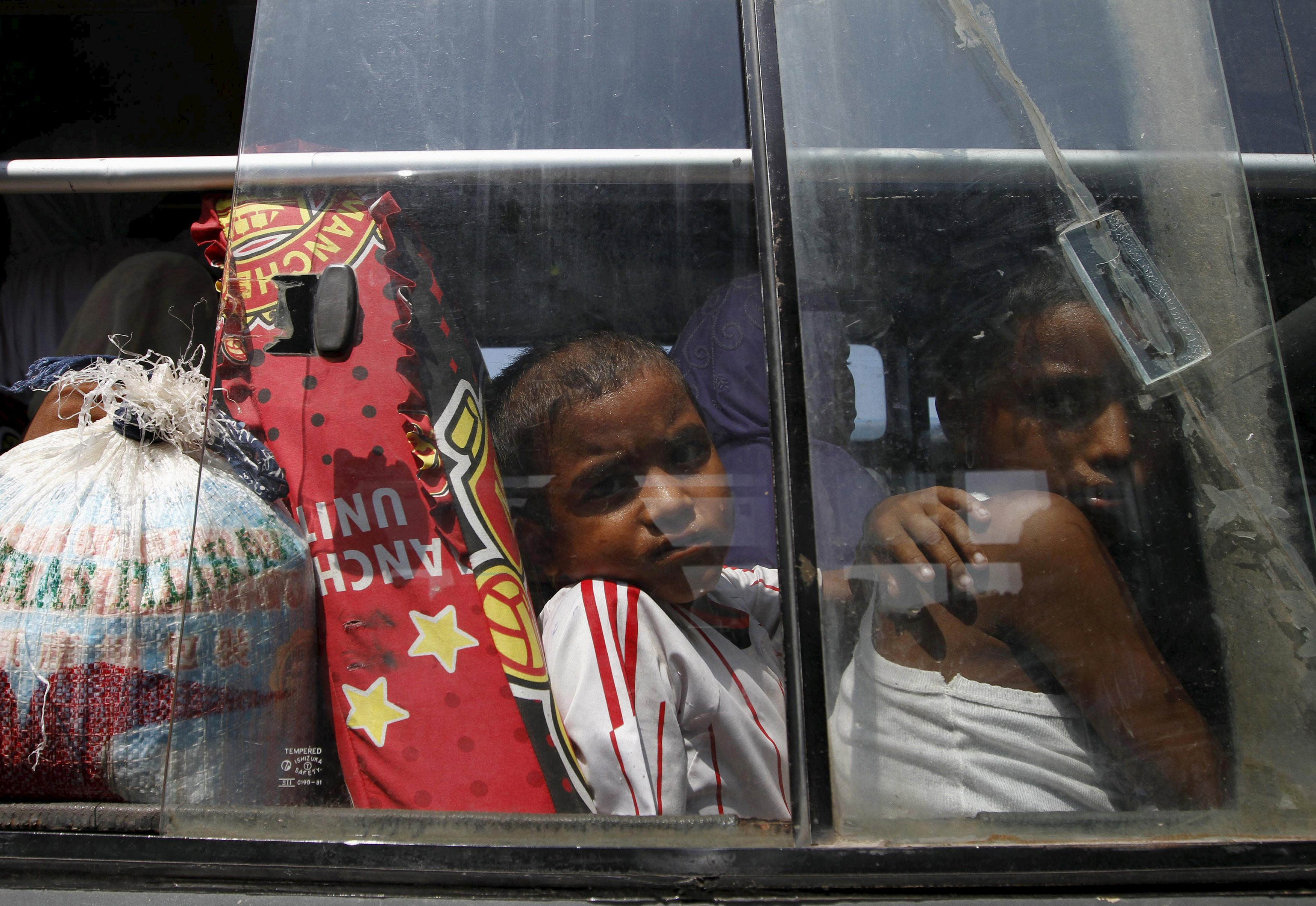 Asia boatpeople pushed back to sea as UN calls for rescue