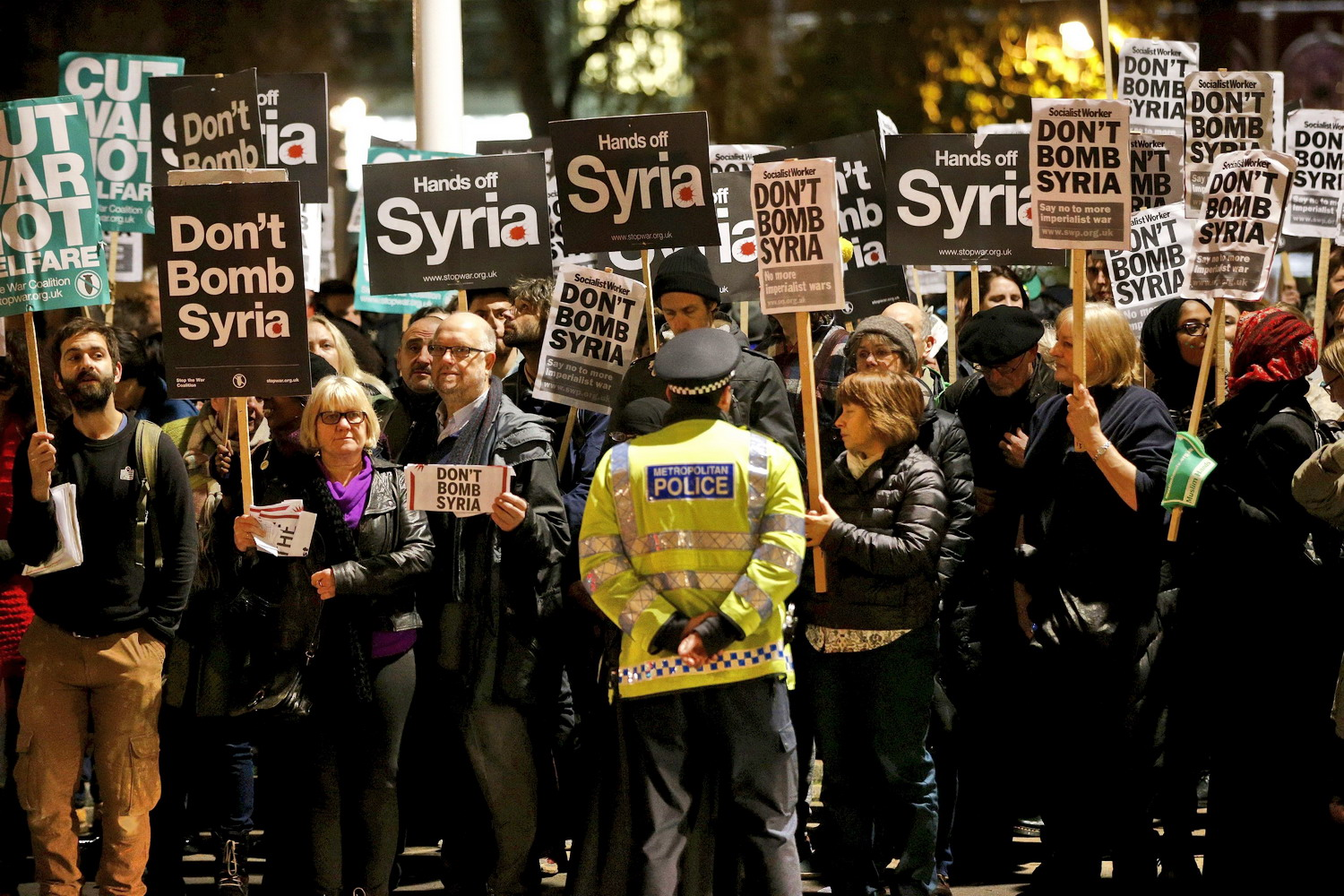 British parliament votes to bomb Islamic State in Syria