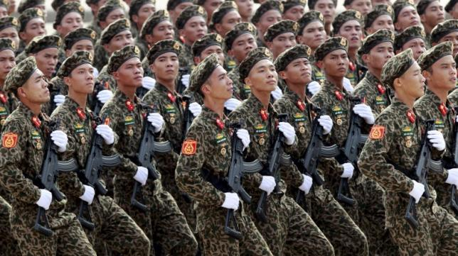 Obama weighs historic decision on whether to lift Vietnam arms ban