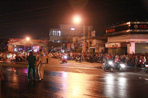 Hundreds of motorbikes burnt out in Vietnam shop