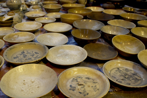 Mementos of the past: 3 Hanoi markets that stand the test of time