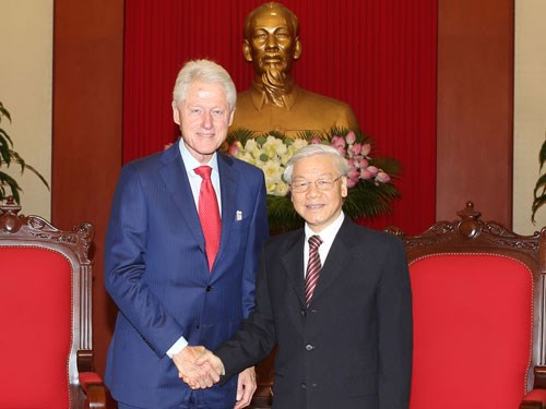 Vietnam consistent in enhancing ties with US, Party chief says