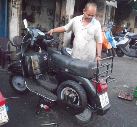 The Vespa doctor | Society | Thanh Nien Daily