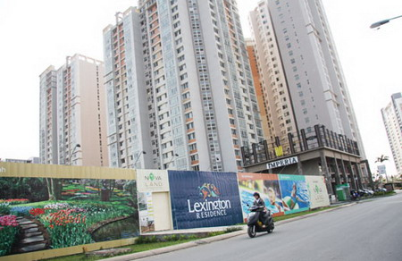 Vietnam property market sees activity as prices fall