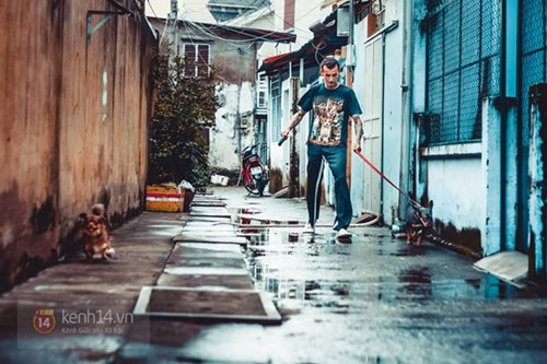 French man fights animal cruelty, rescues stray cats and dogs in Saigon